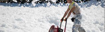 Beratung, Eisbeseitigung, Eisglättebekämpfung, Entsorgung von Streugut, Glättebeseitigung, Haftpflichtübernahme, Kehrdienst, Räumdienst, Schneeabtransport, Schneebeseitigung, Schneedienst, Schneeräumung, Schneeschieben, Schwarzräumung, Streudienst, Streugutbeseitigung, Planung, Weißräumung, Wetterüberwachung, Winterdienst, Einkaufszentren, Gaststätten, Geschäfte, Gewerbebetriebe, Hotelbetriebe, Immobilienbesitzer, Industriebetriebe, Institutionen, Kindergärten, Krankenanstalten, Privathaushalte, Schulen, SeniorenheimeEinfahrten, Gehsteige, Gehwege, Fahrbahnen, Fahrradwege, Fußgängerzonen, Höfe, Parkplätze, Straßen, Treppenanlagen, Zu- und Abfahrten